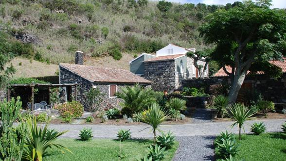 Casa Jubileu - Ouside long view - low res